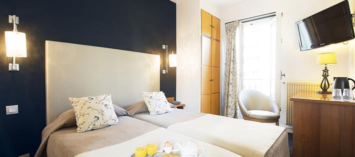 Hotel 15th arrondissement paris rooms h tel france eiffel for Hotel close to eiffel tower